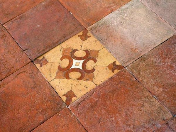 Esempi-pavimenti-in-cotto-Reggio-emilia