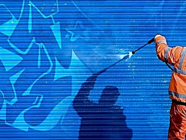 Prezzi-Idrosabbiatura-per-pulizia-di-graffiti-Sassuolo