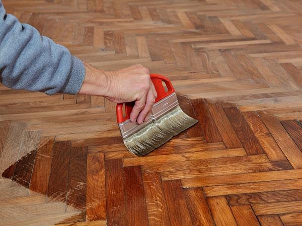 Lucidatura-pavimenti-in-legno-modena